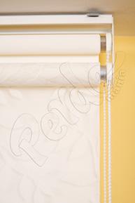 Çiftli Sistem Beyaz Yaprak Desenli Tül ve Beyaz Mat Polyester Stor Perde